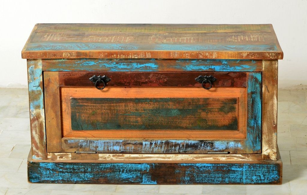 Schuhschrank Riverboat 9158 aus Recyclingholz mit bunt lackierter Oberfläche